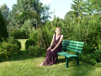 lady - garden bench 1