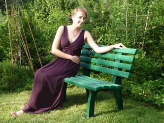 lady - garden bench 5