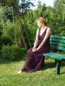 lady - garden bench 7