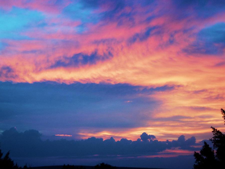 Lanzallamas en el cielo by Alexxxhunt