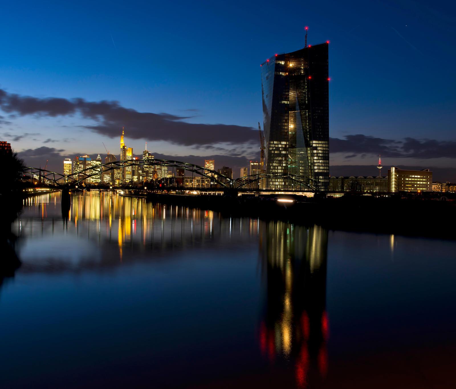 Among the shades of ECB by Jogi1960