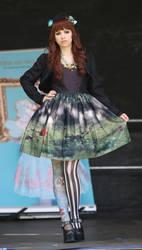 Dunkelsuess Fashionshow feat. Lorina Liddell by Flokati-san