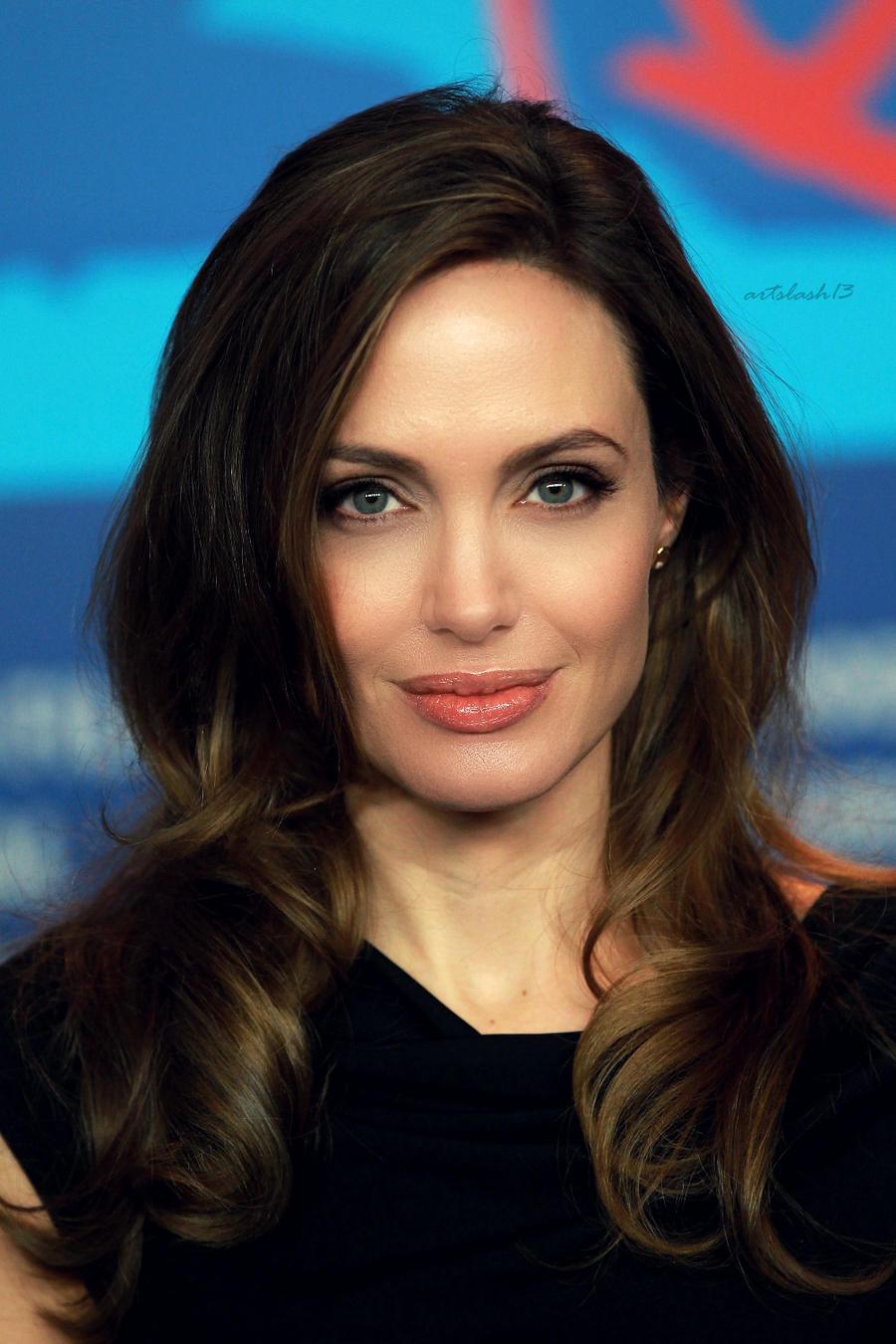 Angelina Jolie 11 by ArtSlash13