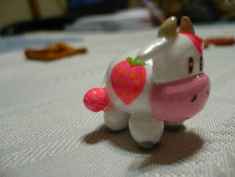 Harvest Moon Strawberry Cow by chibimemories