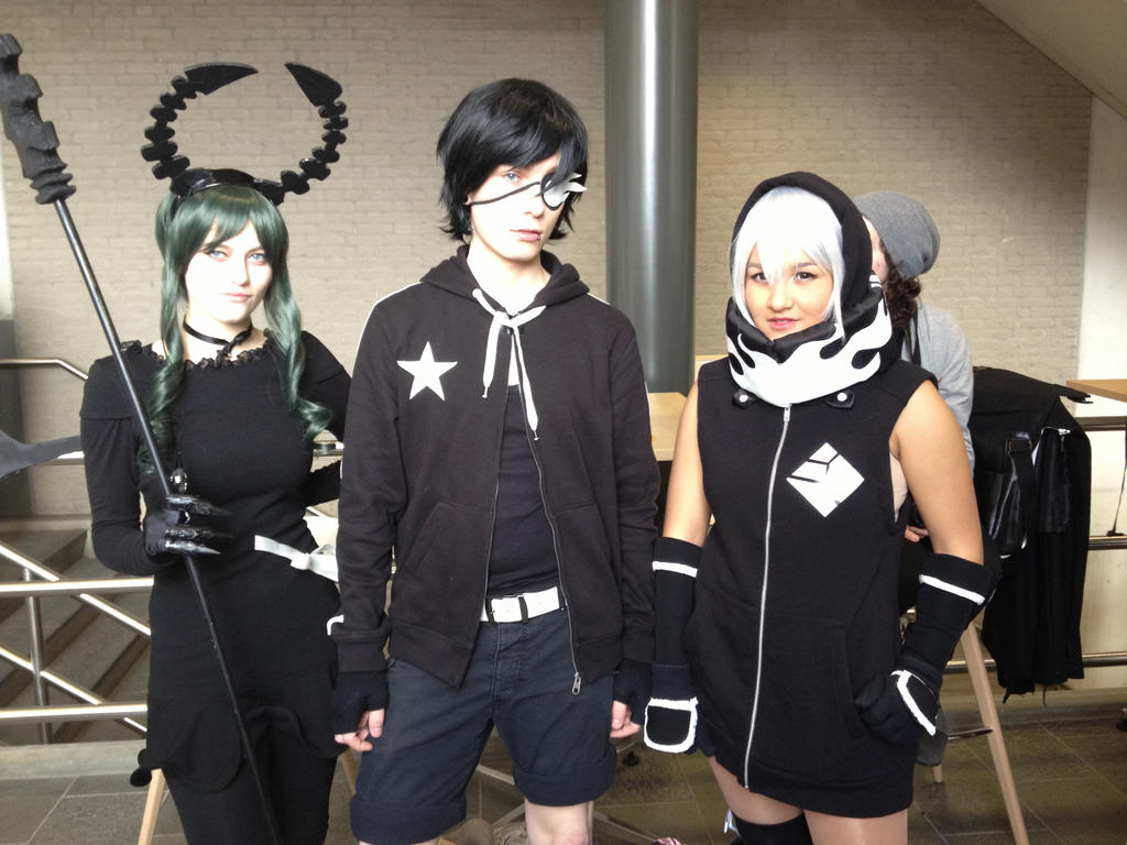 Black rock shooter cosplay group @ Tsunacon by lukachanx ...