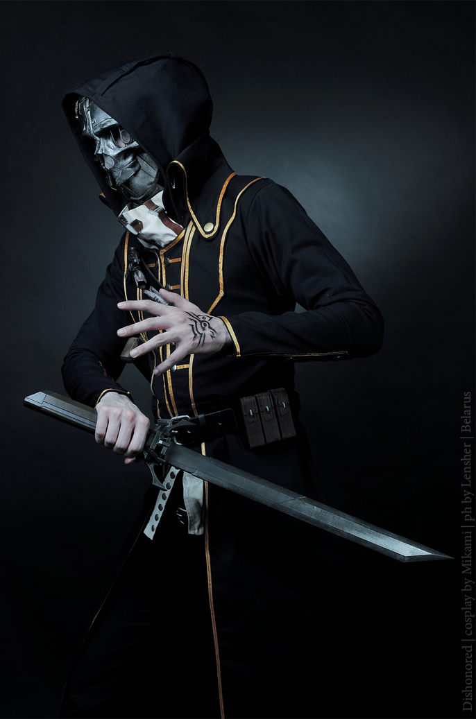 Dishonored Corvo Attano Cosplay by Reitane