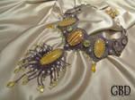 Cat's Queen necklace detail
