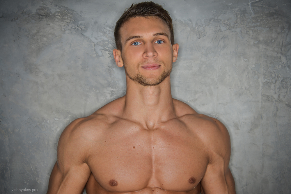 dating a gay russian man We have over 1000 men in our register and the following photos are but a sample for your viewing pleasure this program is designed for single men looking for a true life partner who is handsome, significantly younger, educated, and whose culture is one of support & respect.