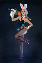 Battle Bunny Riven by SpcatsTasha
