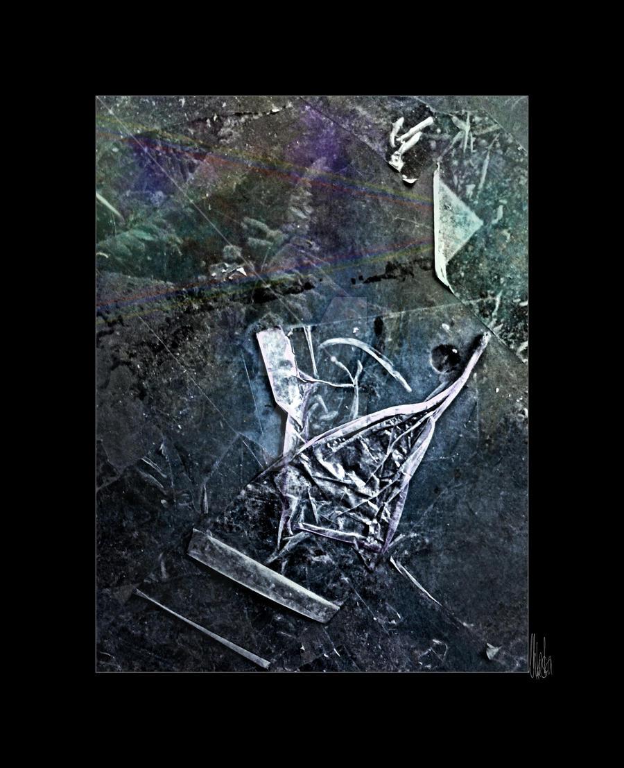broken space ship - photo #27