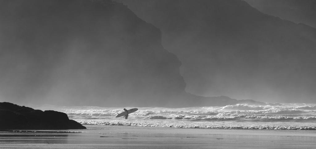 Lone Surfer by hellfire321