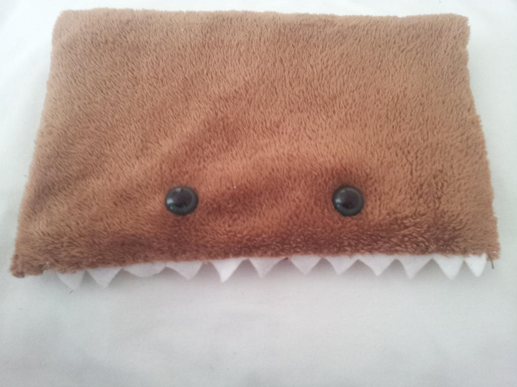 Monster pouch by Tejetejon
