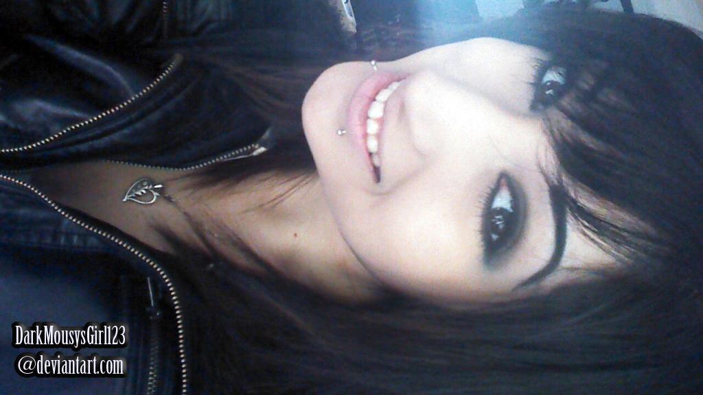 DarkMousysGirl123's Profile Picture