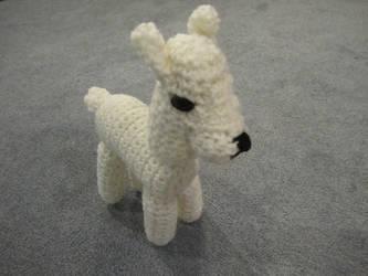 Crocheted Albino Llama by jesspotter