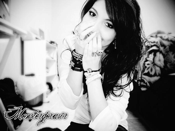 MonsterGoRAWR's Profile Picture