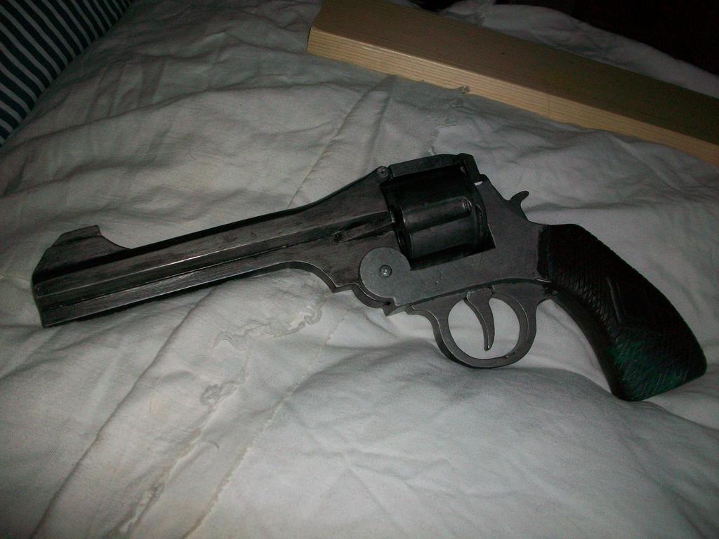 bioshock pistol by sam1337