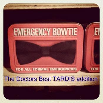 Emergency Bowtie by MimiTehKawaiiPsycho