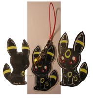 Umbreon Strap commish by Tropicanine