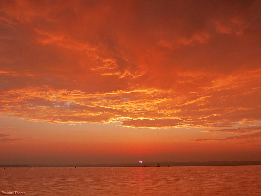 naplemente by PiskotaTeszta