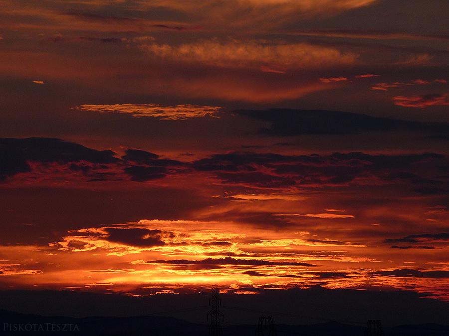 june sundown by PiskotaTeszta