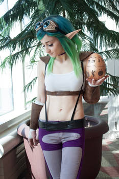 Jak and Daxter Keira Cosplay