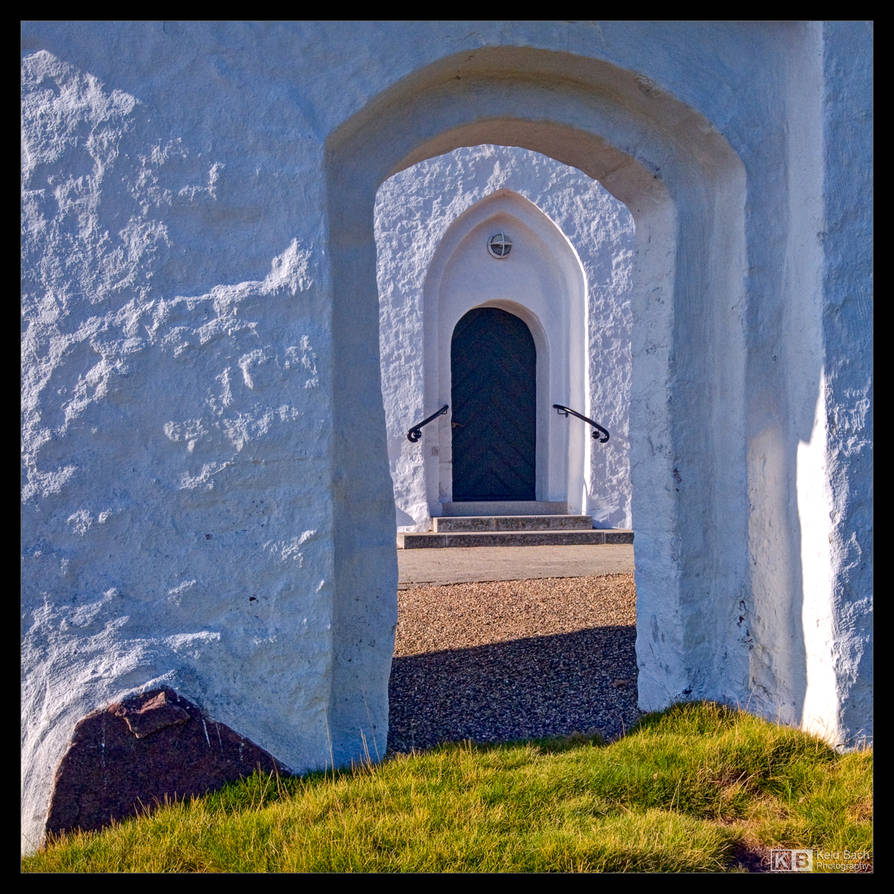 Entrance for Small People by KeldBach