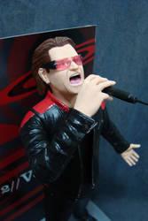Bono Vox 1/6 statue - pic 3.