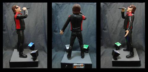 Bono Vox 1/6 statue - turns view