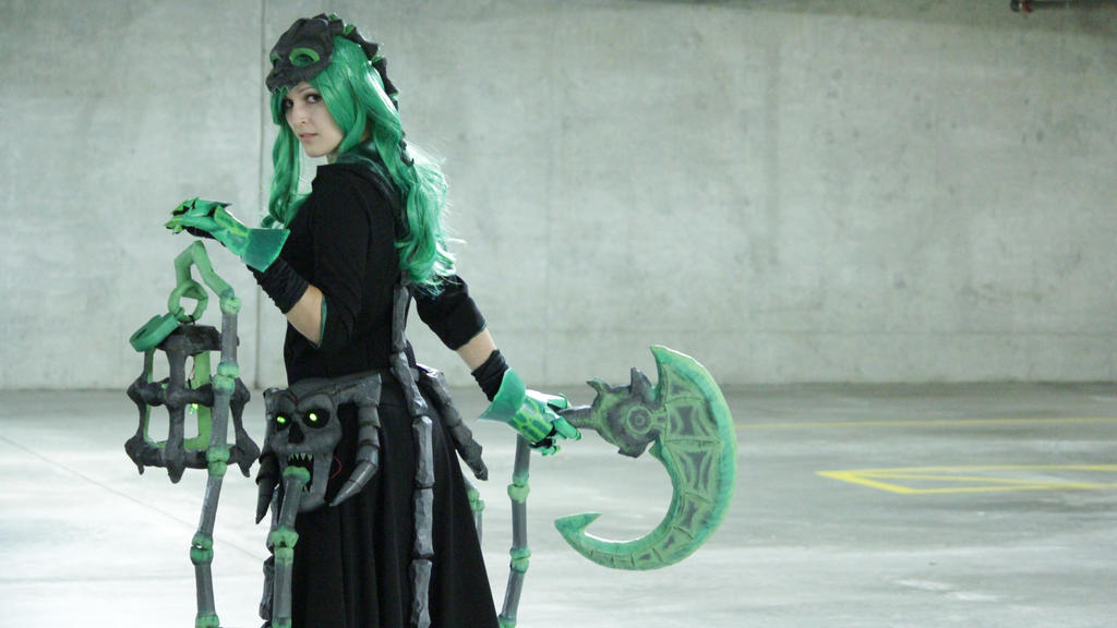 Female Thresh Cosplay View 2 by 9Flame on DeviantArt