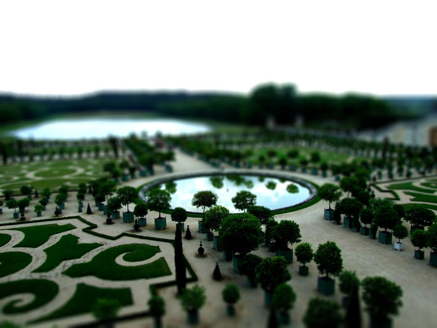 The Gardens of Versailles by GoldenGirls