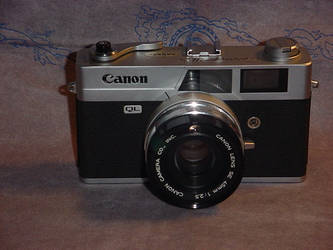 Canon Canonet QL25 Rangefinder by malkavian40