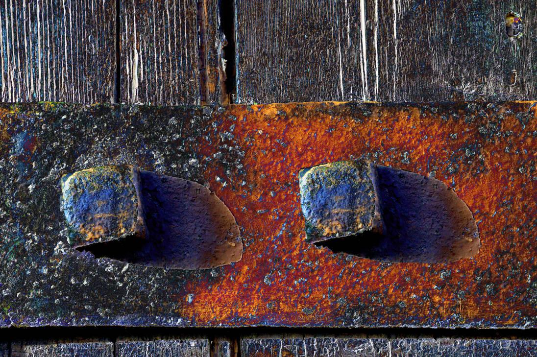 Solarised floating Rusty Hinge Strap Bolt by aegiandyad