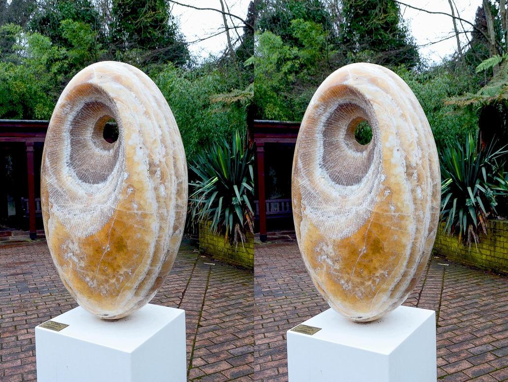 Ceci N'Est Pas Une Sculpture De Barbara Hepworth by aegiandyad