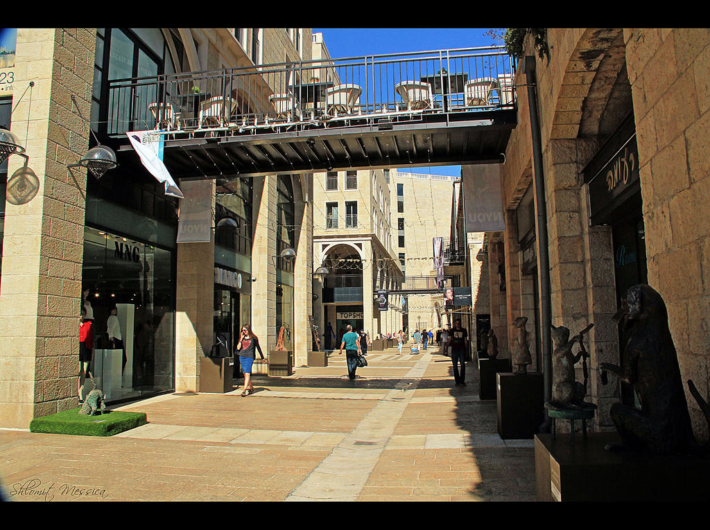 Mamilla mall by ShlomitMessica