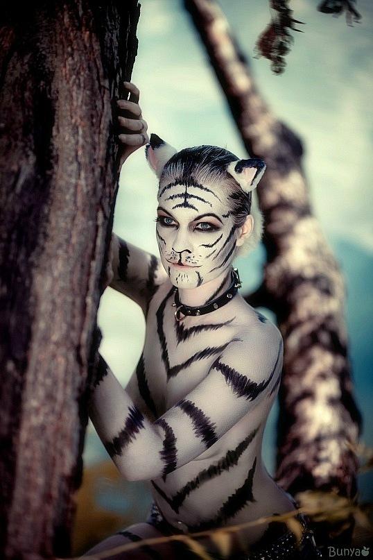 White tigress by MiriamBast
