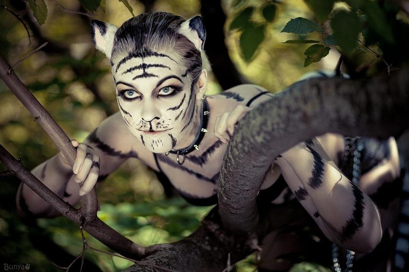 White tigress by MiriamBast on DeviantArt