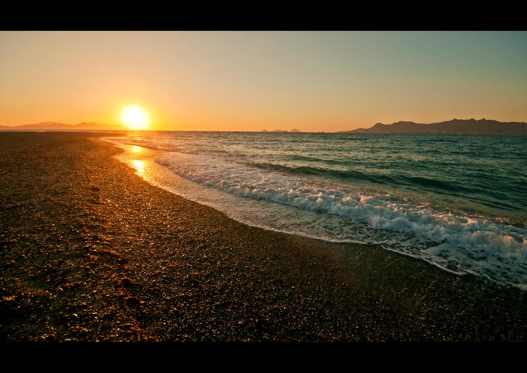 Golden Waves by Beezqp