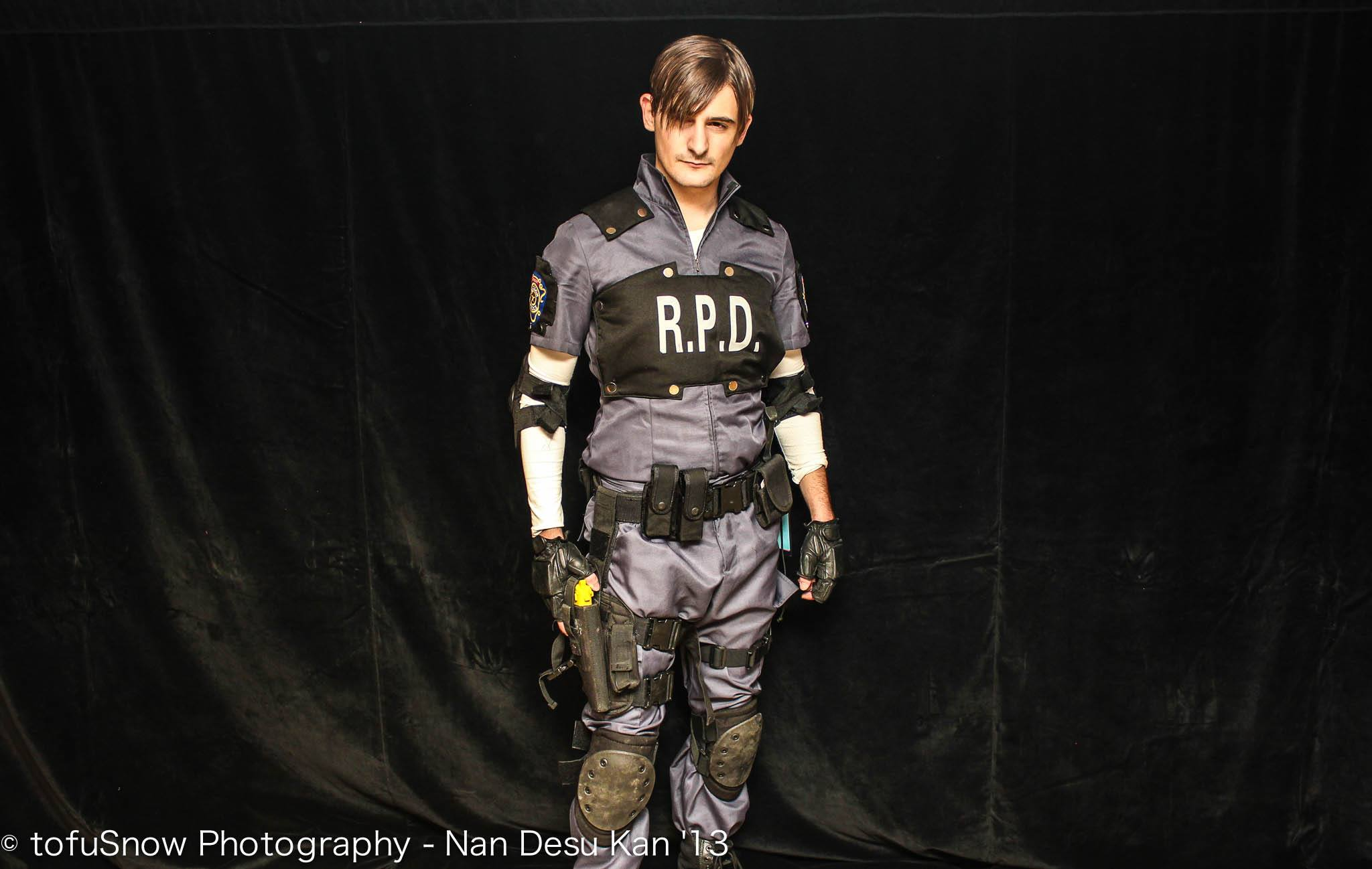 Leon S Kennedy Cosplay Resident Evil 2 By Robotrubberducky On