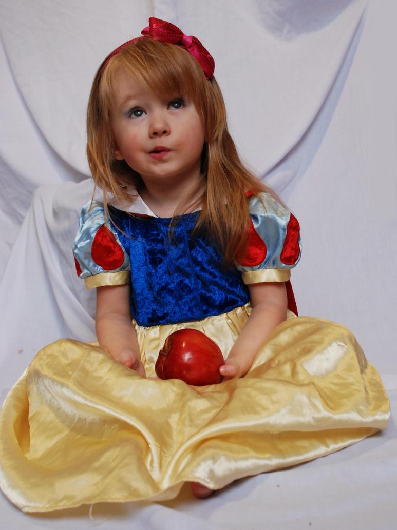 Snow White_23 by anastasiya-landa