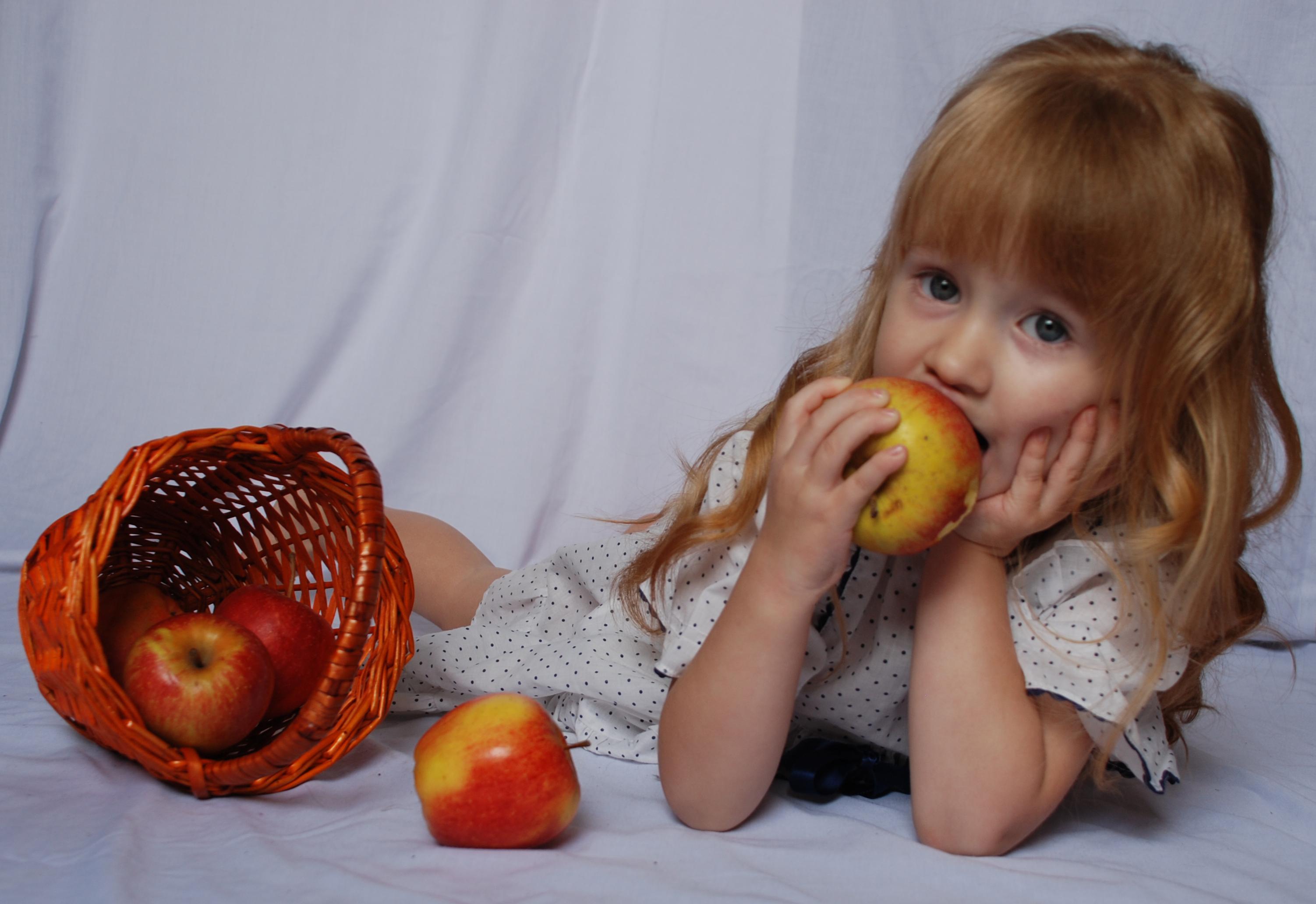 The apples_20 by anastasiya-landa