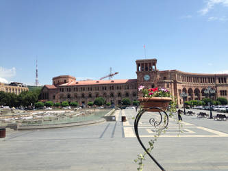 Republic Square, Yerevan by roupend