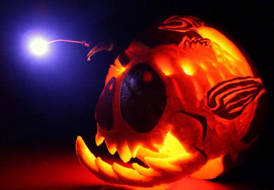 Lantern fish by nodeofranvier on deviantart