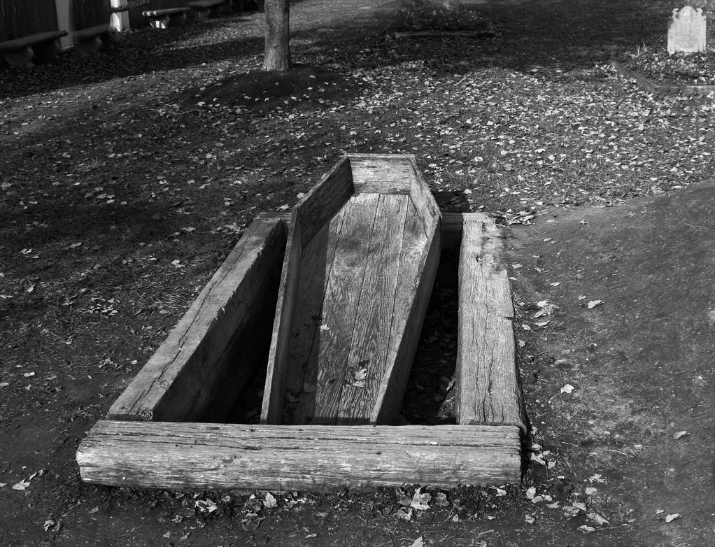 Grave by thirteenthman