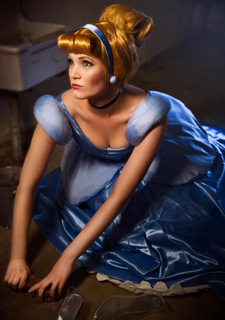 Cinderella Dreaming by simplearts