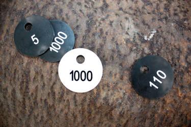 Garderobenmarken-auf-stahl by garderobenmarken