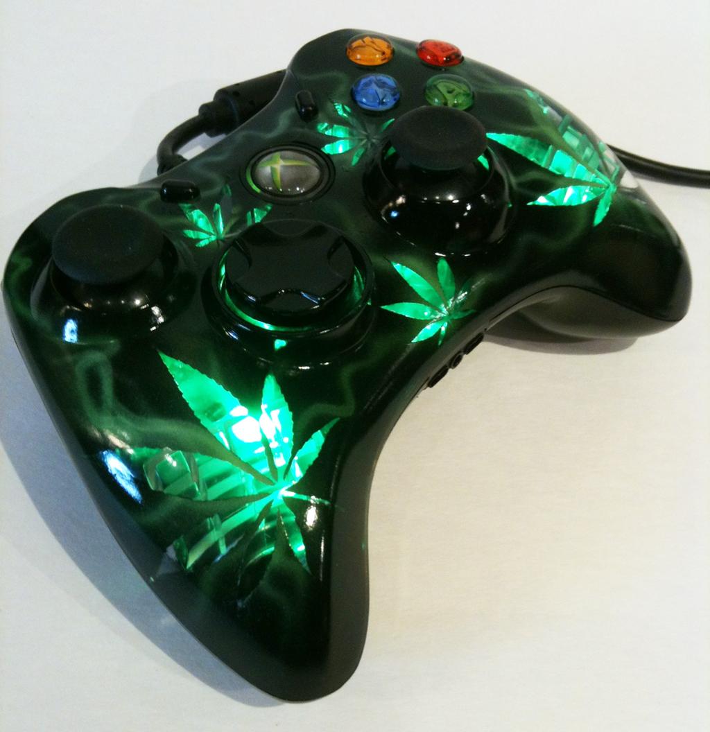 XBOX 360 cannabis design controller by chrisfurguson