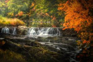 Waterfall by sxsvexen