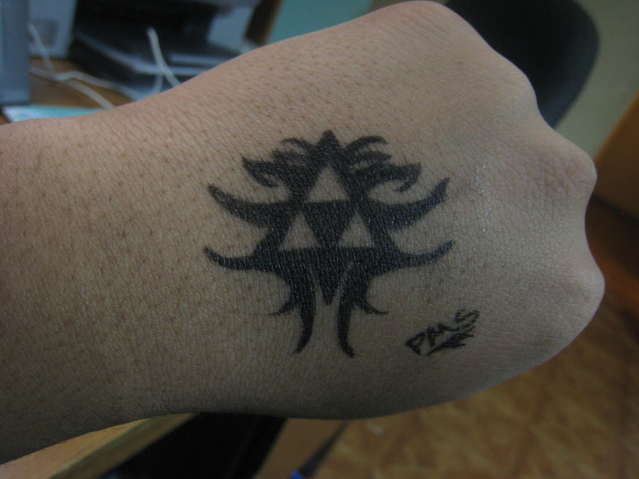 Triforce pen tattoo by psychoticmindsystem on deviantart for Tattoo with pen