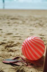 Little Ball. by AmieKJS