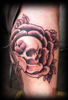 Rose with skull by jerrrroen
